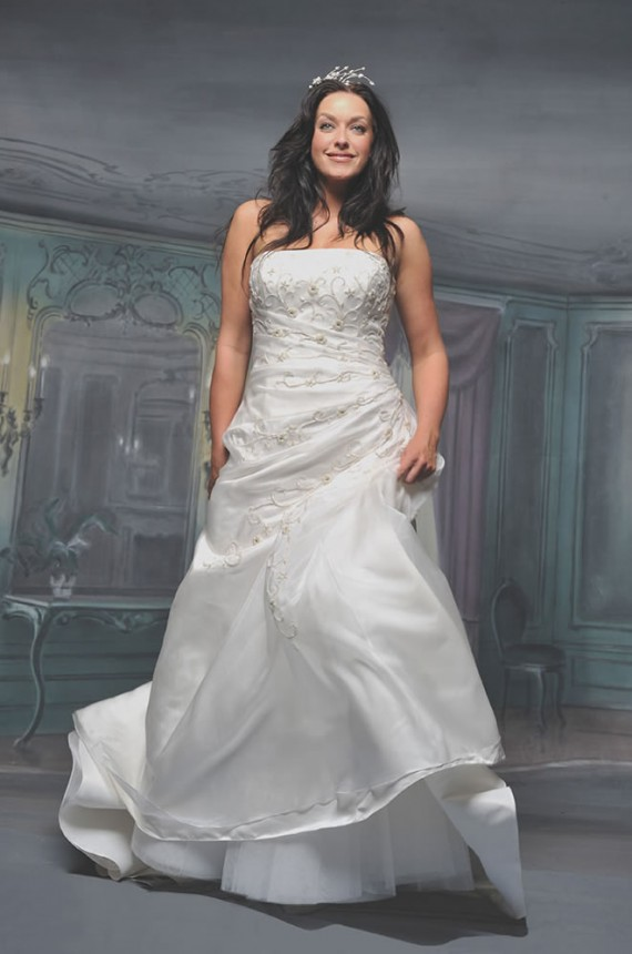 2010 Plus Size Wedding Dresses White Picture 1  Wedding