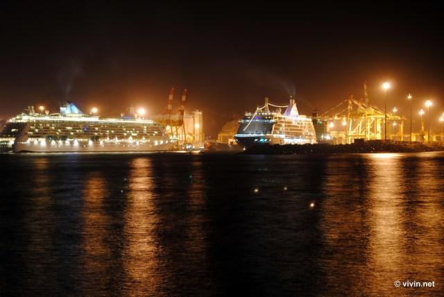 Ships at Muttrah Bay (Corniche)