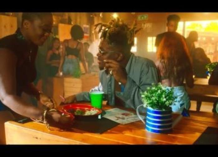 Quamina MP – Kenkey Seller ft Medikal (Official Video)