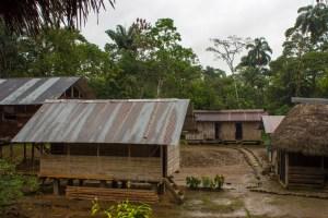 tours a la selva Baños Ecuador - reserva hola vida