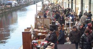 Mercado de las Pulgas. NaviglioGrande, Milán