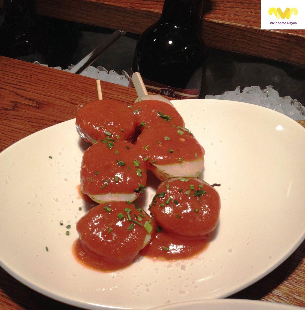 Yakitoro by Chicote. Patatas asadas con salsa brava