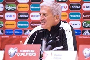 "Vladimir Petkovic fera un ""turnover"" pour garantir fraîcheur mais aussi un brin de concurrence au sein du groupe. © Oreste Di Cristino"