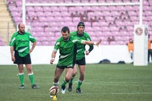 Gregory Girard tente une pénalité à la 55e minute de jeu mais ne parviendra pas à marquer les points d'honneur du XV Suranais au Stade de Genève. © Oreste Di Cristino