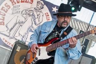 Le bassiste Gérald Aubert lors du set au Blues Rules. © Oreste Di Cristino / leMultimedia.info
