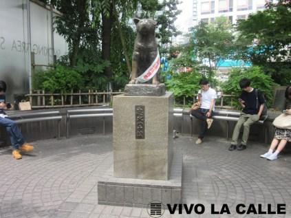 Estatua de Hachikô a la salida de la estación Shibuya.
