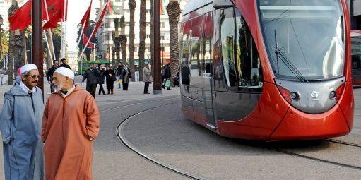 Place des Nations Unies à Casablanca, au Maroc. Le tramway a été mis en circulation en 2012.© PATRICE THEBAULT