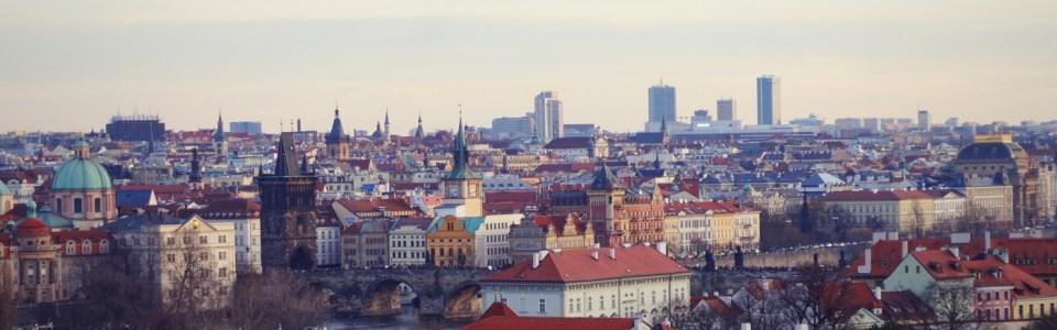 """Praha chụp từ lâu đài """"Pražský hrad"""""""