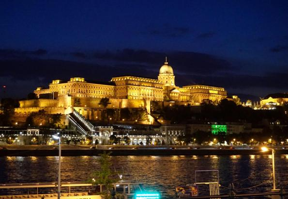 Đêm Budapest