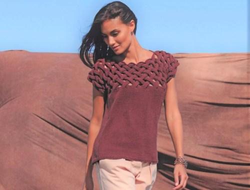 Пуловер с плетёной кокеткой