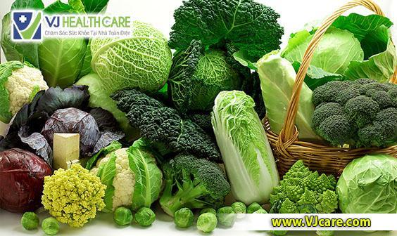 người bệnh rò hậu môn nên ăn nhiều rau xanh