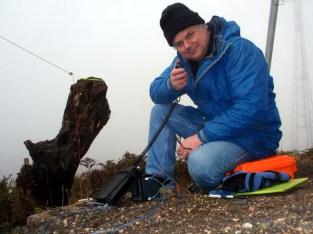 VK3OAK in the fog at Mt Wombat