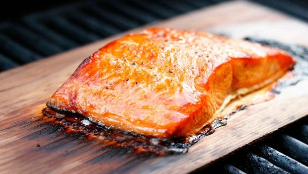 foods that cause miscarriage-smoked seafood