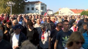 Oprečne informacije o broju prosvjednika: Policija tvrdi 9000; Grad Vukovar 20000