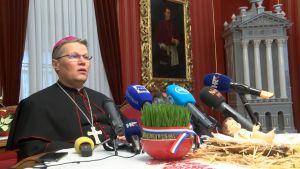 Nadbiskup Hranić u Pastirskoj božićnoj poruci pozvao na udomljavanje nezbrinute djece