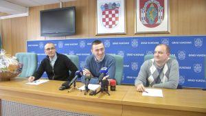 Spremne božićnice i poklon paketi za gotovo 5000 Vukovaraca!