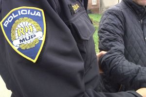 Policija slike 2