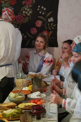 Для застолья были приготовлены блюда, характерные для реконструируемного периода