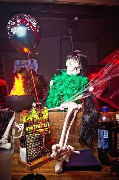 Импровизированный алтарь Смерти. Фото: http://fishki.net/