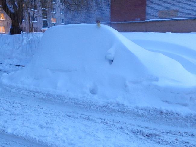 Кто же ответит за занесенные снегом машины?