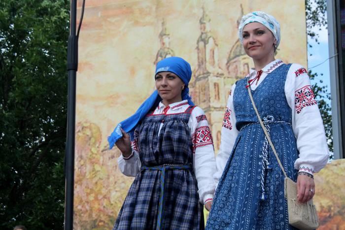 Славянка, фестиваль, дефиле, площадь свободы