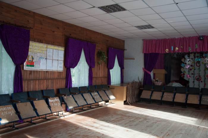 Сельский клуб изнутри. Фото Анастасии Вереск