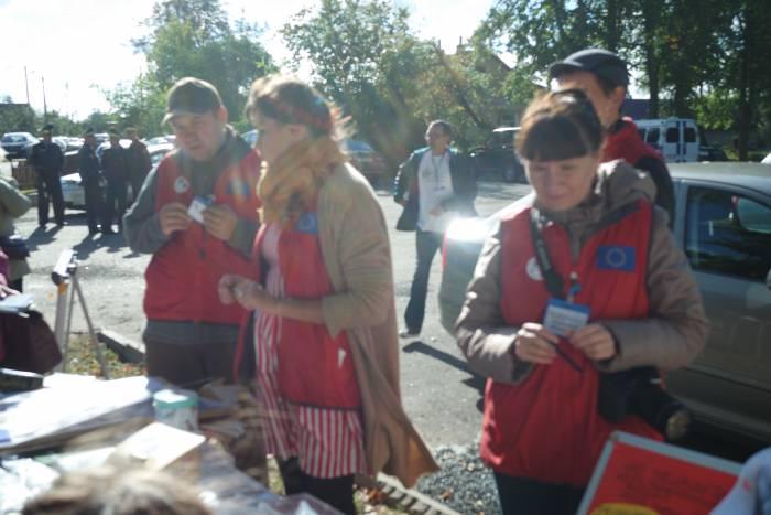 Волонтёры. Фото Александры Мирной