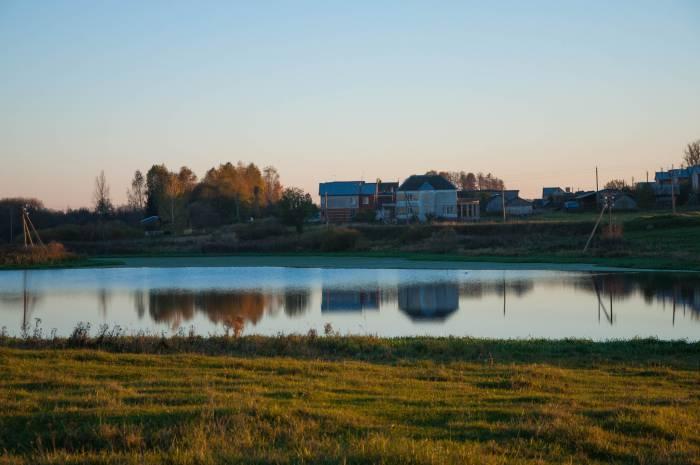 На озере можно отдохнуть, но не в каждом можно купаться. Фото Анастасии Вереск
