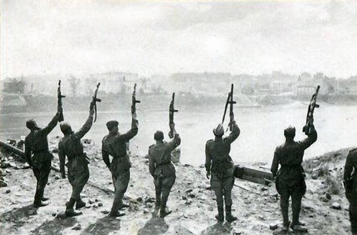 витебск, война, салют
