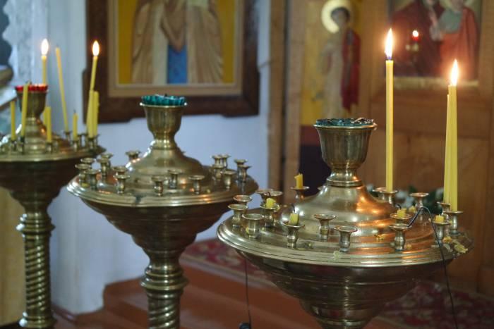 церковь свечи