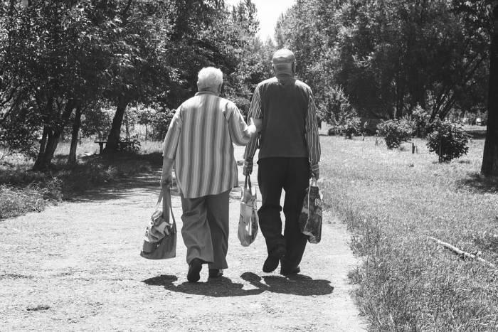 пожилые, старики