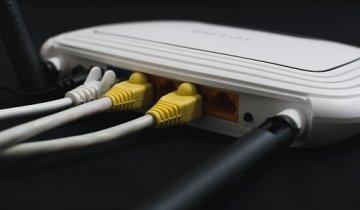 связь оптоволокно роутер