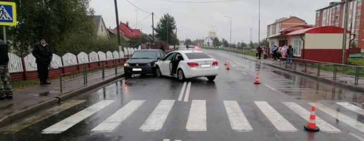 В Городке в аварии автомобиль совершил наезд на девочку 12 лет