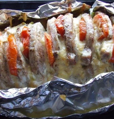 сочное мясо запеченное в фольге
