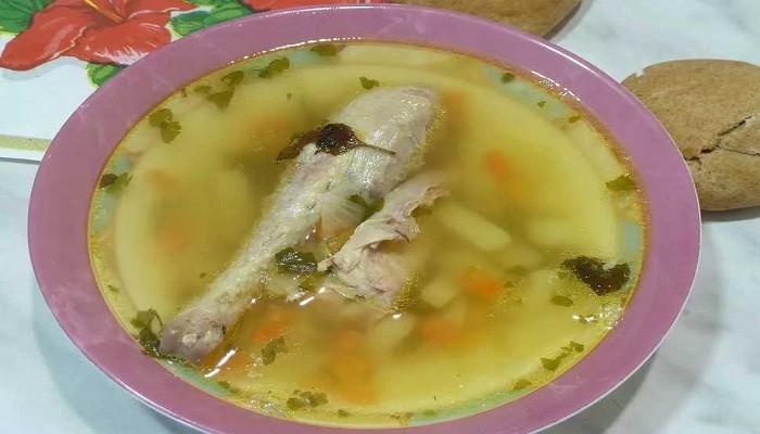 Resep sup kacang klasik dengan ayam