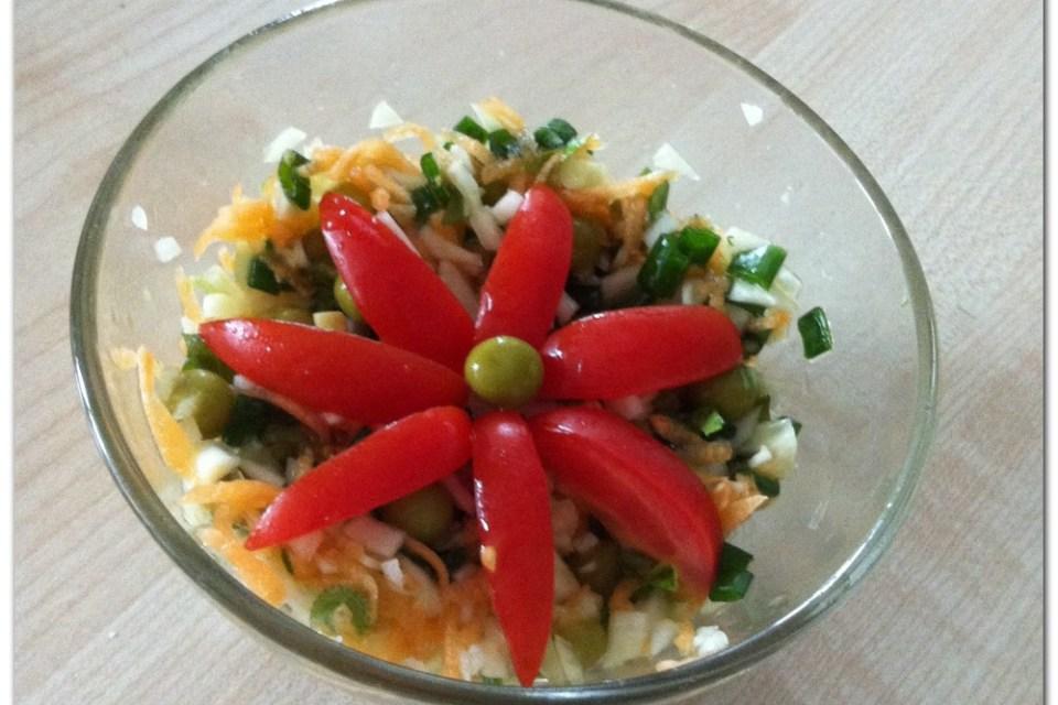 salatik-s-kopustoy-i-goroshkom
