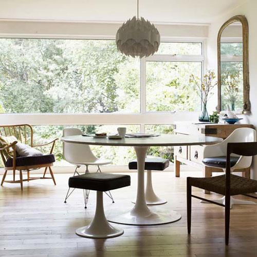 Tulip Table via Casos de Casa