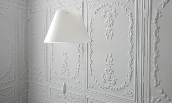 Elitis Chance wallpaper, faux panelling