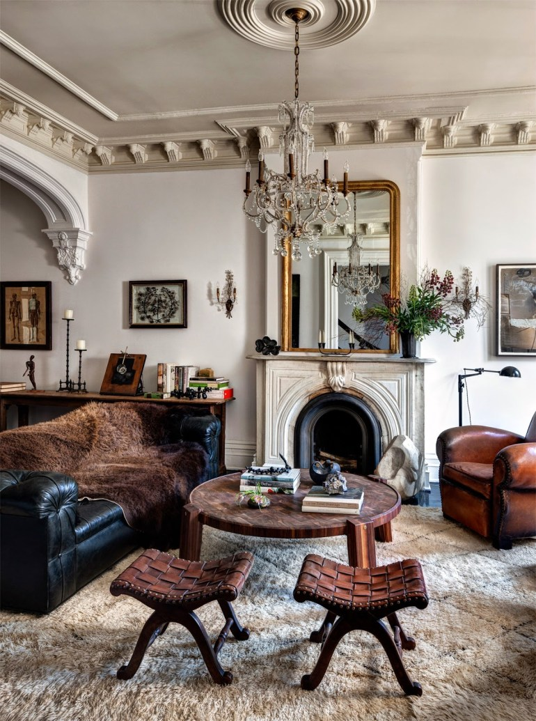 Tracy Martin's (wife of Depeche Mode's singer Vince Clark) NY Brooklyn brownstone house livingroom via Habitually Chic