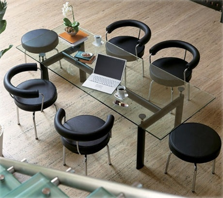 The LC6 dining table with the LC7 dining chairs