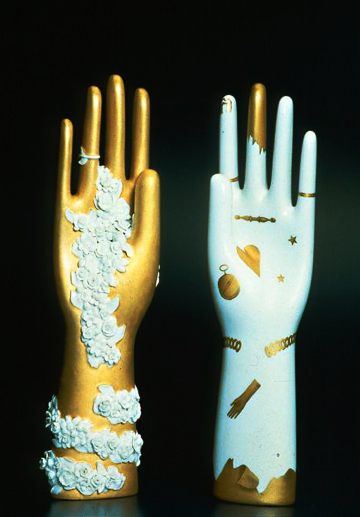 Hand sculpture - via La Boheme