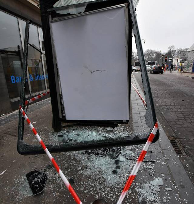 Minister gedoogt geweld extreem-links