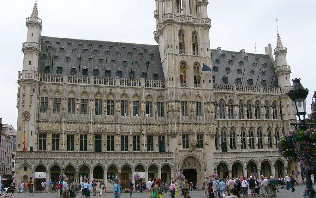 Na de quasi-heiligverklaring van Mayeur door Close : nieuwe burgemeester Brussel is het vertrouwen niet waard