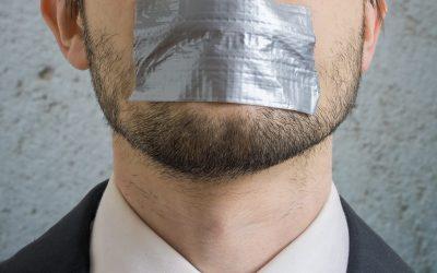 """Inperking vrije meningsuiting: """"Stilte bij paars-groen is veelzeggend"""""""
