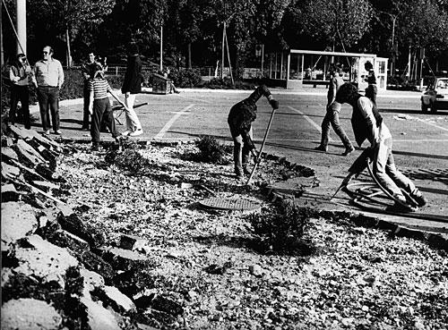 Ζυρίχη 1980. Κάτω από την άσφαλτο, ο κήπος...