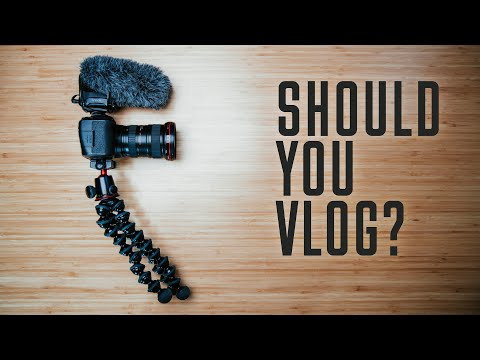 How to Vlog with a Phone – Beginners Guide – How to create a website [Video]