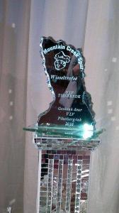 . . . want daar's 'n trofee, sertifikaat en lieflike pryse op die spel.