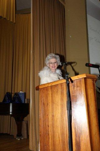 VLVK President, Erika Lubbe, gereed om Kongres te open.