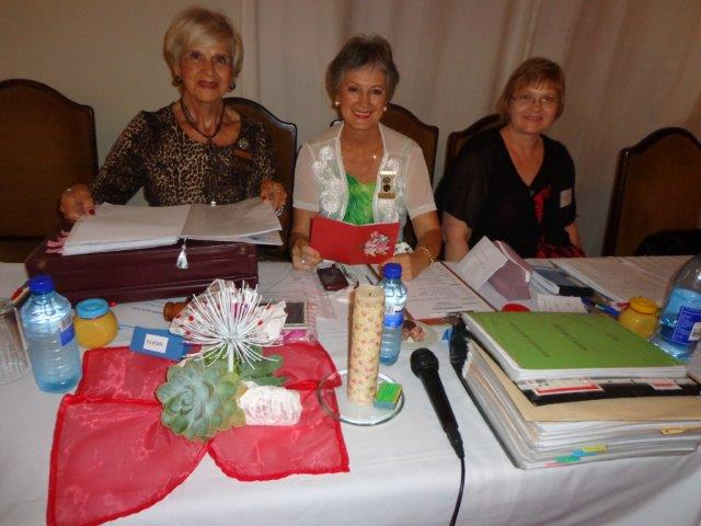 Sirkelpresident, Mercia Ungerer; Sirkelsekretaris,  Annalene van Niekerk en Sirkeltesourier, Marileen du Plessis.