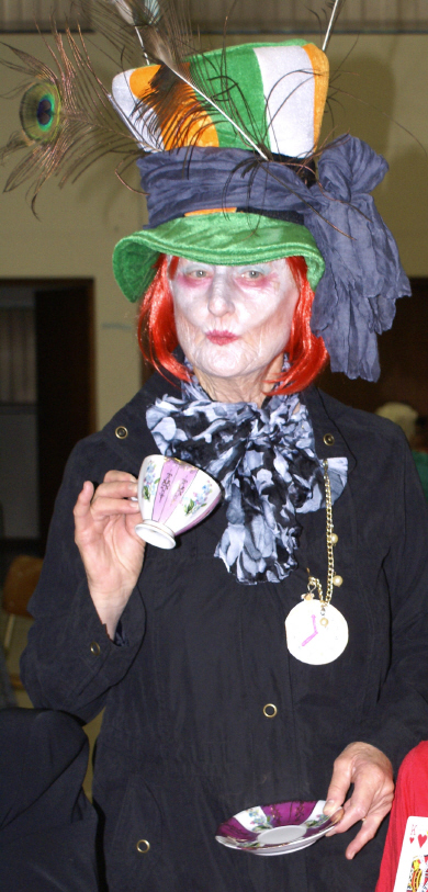 No 6.Elsebe Swart as Mad Hatter_1_1